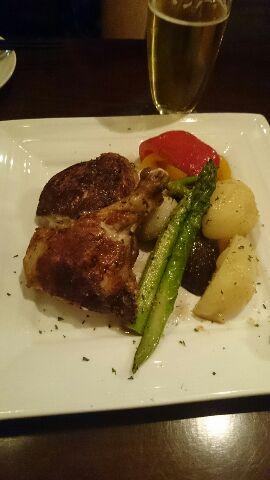 骨付き鶏肉と冬野菜のグリル